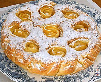 Torta con le mele come rose, ricetta dessert di Kissthecook.