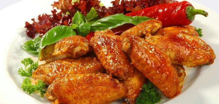 У вас нет коптильни, она вам и не понадобиться! Копченные крылышки приготовленные по этому рецепту получаются очень сочные, вкусные и просто тают во рту.Ингредиенты:Куриные крылышки-1,5 кг.…