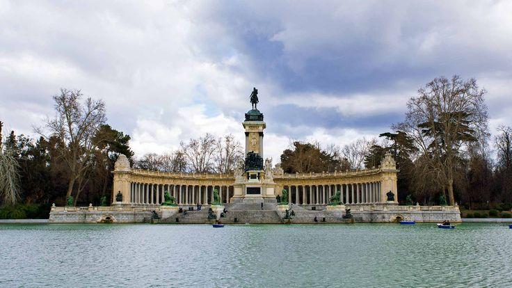 Monumento Alfonso XII, Parque del Retiro, Madrid, España, Spain