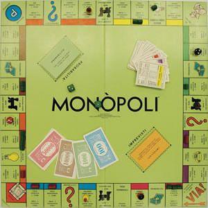 Quanti di noi, almeno una volta nella vita, hanno giocato a Monopoli? In tanti. Eppure qualche parlamentare solo ora, dopo decenni di storia, lo ritiene diseducativo, complici le rettifiche apportate alla nuova versione.