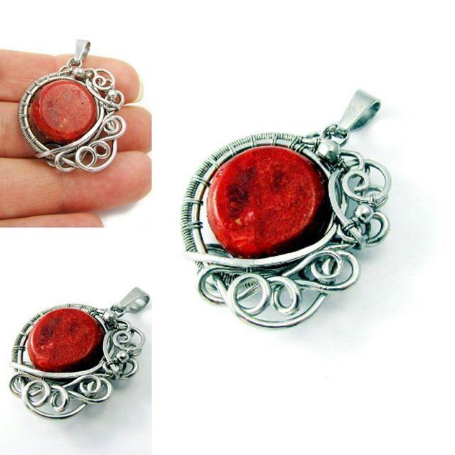 Wisiorek z czerwonym koralem :) #wirewrapping, #agatarozanska, #wisiorek, #handmade, #jewellery