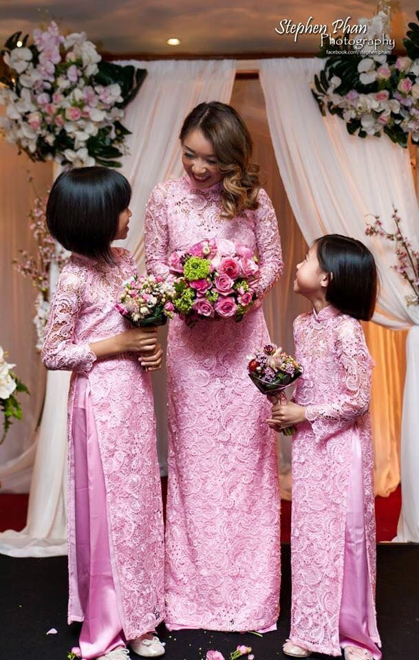 Matching AoDai for the gorgeous brides and her flower girls