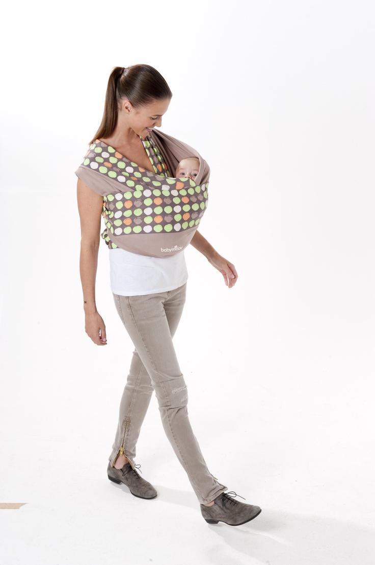Porte-bébé écharpe à nouer Babymoov - position berceau