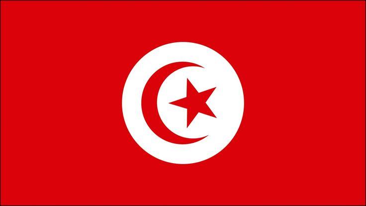 TUNEZ. La capital deTúnezrecibe el mismo nombre que el país, el cual es el más pequeño del Magreb. En su bandera encontramos la luna y estrella propia del islam y delImperio otomano. El Magreb es la zona norte del continente africano y abarca los territorios de Marruecos, Túnez, Argelia, Mauritania y Libia.