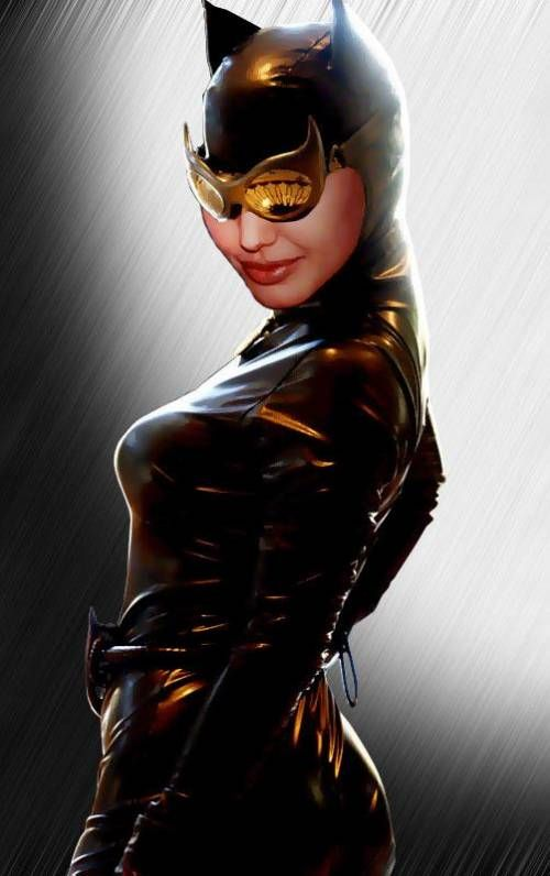 Angelina jolie as catwoman right