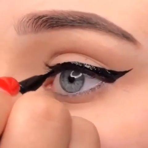 Eyeliner Makeup Tips – Make-up