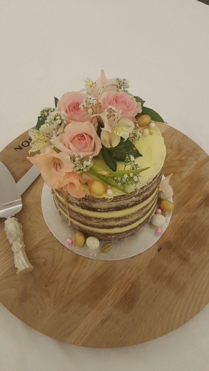 Stunning naked cake #yum