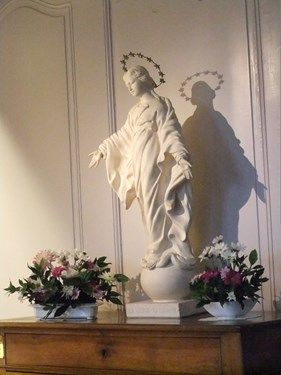 A brief tour of the birthplace of St. Therese and Lisieux where she lived as a Carmelite nun.