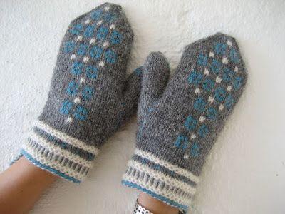 Twined knitted mitts | stickat och vrickat: tvåändsstickning