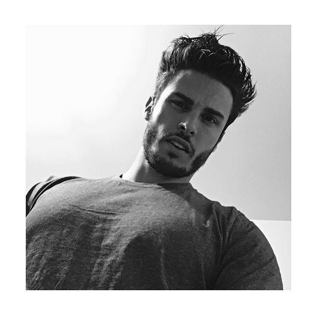 Pin for Later: 47 Célébrités Françaises à Suivre Sur Instagram Baptiste Giabiconi Son Instagram: @baptiste.giabiconi