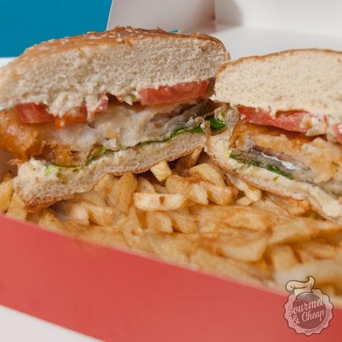 Fish burger στο fish+chips στο Χαλάνδρι!