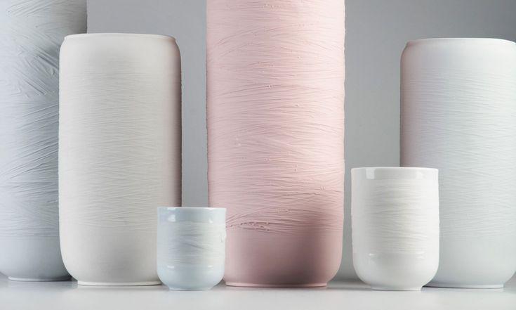 Nalejto navrhlo kolekci Swallow kombinující porcelán aplast