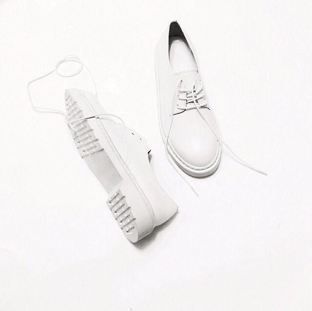 Witte schoenen_White Shoes_Veterschoenen_Bulky