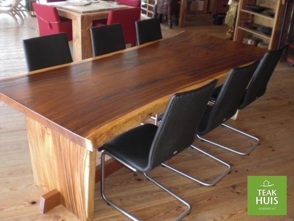 Boomstam tafel Schitterende tafel, gemaakt van 1 plank 6-10 cm dik. Deze tafel is een pronkstuk in iedere woonkamer of kantoor. Leverbaar in iedere gewenste maat.  Gemaakt van Suwar hout. Herkomst: Indonesie