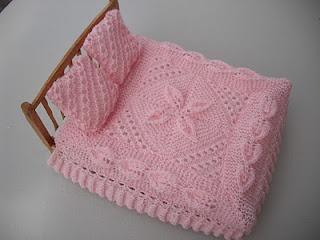 bitstobuy: 12th scale dolls house heirloom miniature knitted blanket Barbie...