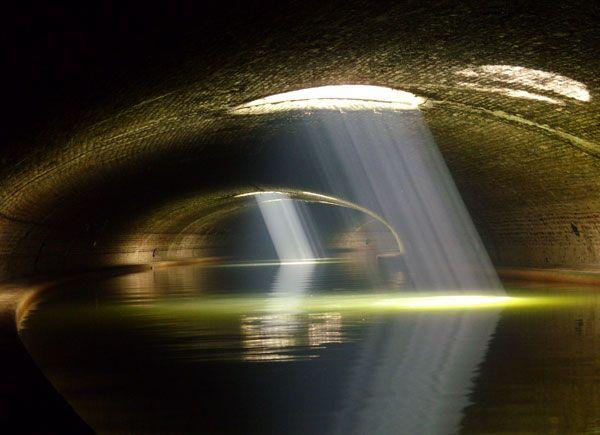 Promenades au bord de l'eau paris curiosites