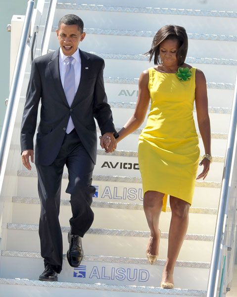 Wowsers! This woman makes fashion statements I appreciate. Looking good in yellow