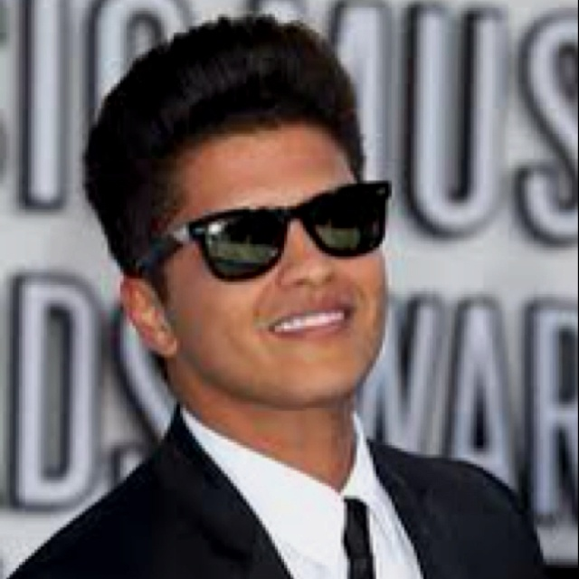 """""""there's no religion that could save me, no matter how my knees are on the floor..""""-Bruno Mars-"""