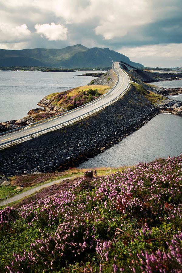 https://flic.kr/p/eFEAnB | Atlanterhavsveien | On of the myriads of bridges along the Atlanterhavsveien, a scenic coast road along the Norwegian Sea, connecting  Kårvåg on Averøy and Vevang in Eida. The Romsdal Peninsula lies In the background of the  260 meters long Storseisundet Bridge.