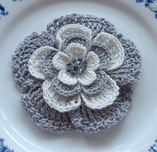 Larger Crochet Flower in 3 inches YH-024 via Etsy