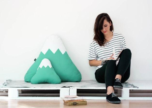 Kissen - Jade Berg Kissen - ein Designerstück von PAPARAJOTEFACTORY bei DaWanda