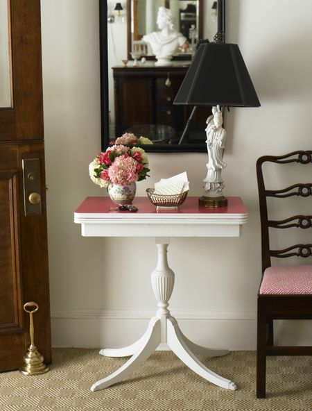 antique side table redo.  loving the pink top @feefeern