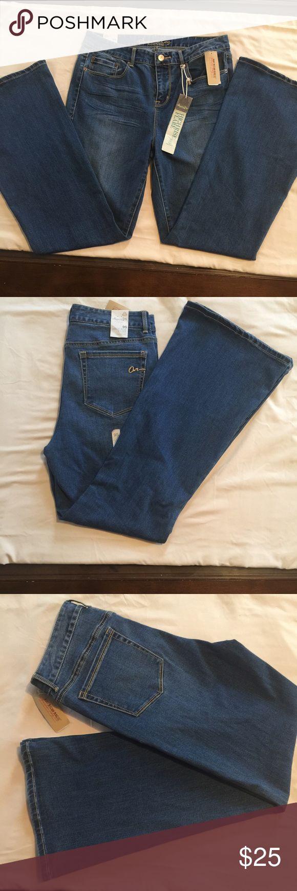 "American Rag Flare Jeans NWT FLARE JEANS 30""hem. size 9. American Rag Jeans Flare & Wide Leg"