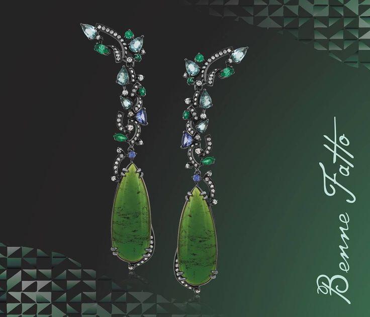 Brincos em turmalina verde, diamantes, tanzanitas, turmalinas Paraíba, esmeraldas em ouro18k #bennefatto #jewelry #diamond #turmalina #tanzanita #esmeraldas #luxo #joias #joiasdobrasil