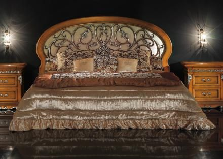 Bakokko classic bed with carved headboard
