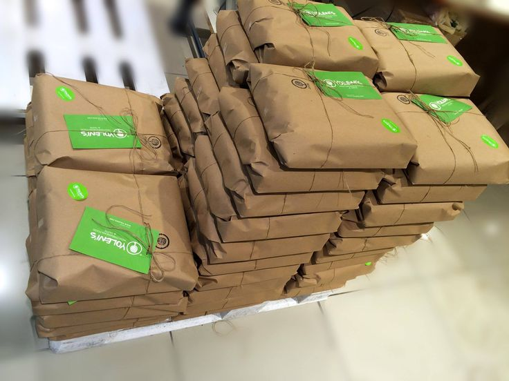 The orders are gathered together in order to safely reach all of our customers! #yolenisbox #yolenistaste