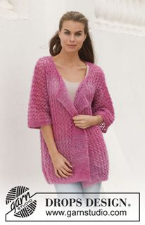 """Knitted DROPS jacket with lace pattern in """"Verdi"""". Size: S - XXXL. ~ DROPS Design"""