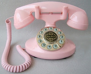 Love this vintage style phone!