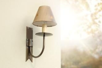 Single Brass Cottage Wall Light in Antiqued Brass