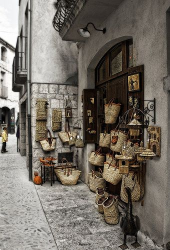 BESALÚ | Girona, Catalonia