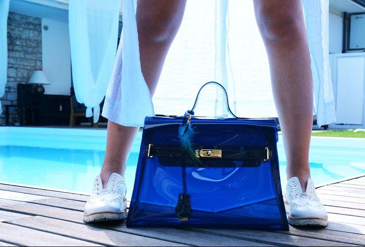 Lock Bag Blu Lock Bag Gialla. Look here: http://www.wyandotte.it/progetto-wy-otte/   #bag #fashion #pvc #glamour #outfit #trend #beauty #wyandotte