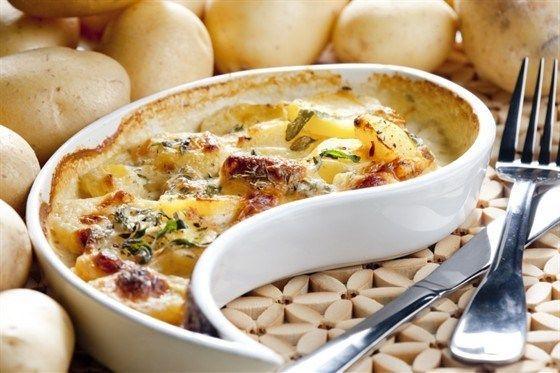 Филе судака, запеченное с картофелем в сметане