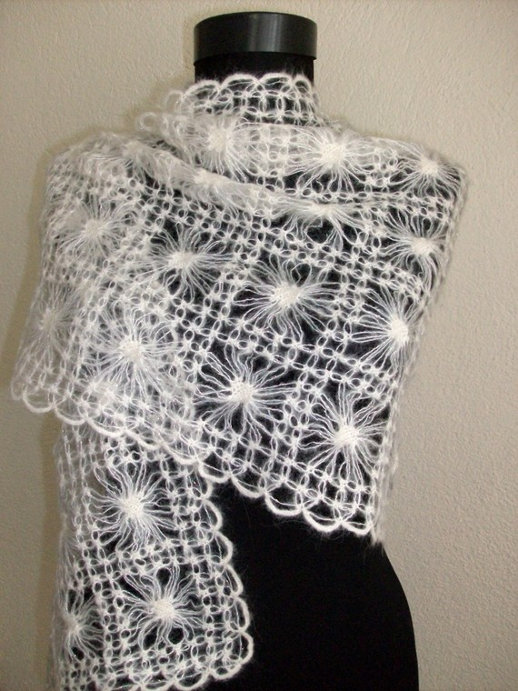 As my other mohair shawls, this item has been knitted with the best mohair yarn. One size will fit XS, S, M, L, XL Measurements without fringes:  60cm-23,62inç 155cm-61,02inç  Care: Hand wash cold, lay flat to dry.  Available in custom colors as well!  (Custom orders allow 1 week for shipment. Please Conversation us for a custom listing for you.)   Hand crocheted with great care, in a smoke-free, pet-free home. Never been worn.  This item will be packaged with lots of love and…