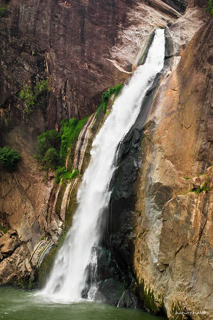 Interesting Places Around the World Which can Attract Your Attention - Dunhinda Falls, Badulla, Sri Lanka