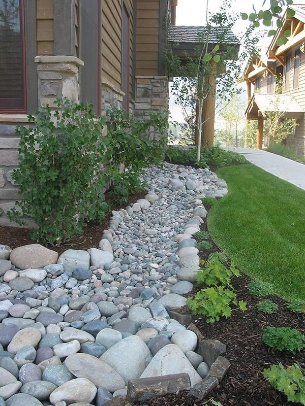 japanese dry river bed for tiny front yard | Dry river bed | front garden inspiration | Pinterest source