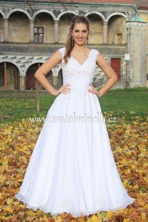 Bílé svatební šaty velikost S 36-38. Ceny na www.svatebninella.cz   #svatebníšaty, #bíléšaty, #svatební #šaty, #půjčovnašatů, Svatební studio Nella, Česká Lípa