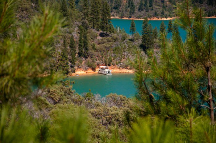 This Northern California Lake Is An Outdoor Lover's Paradise #california #shastalake #californislakes
