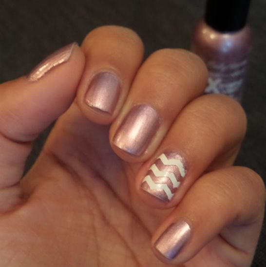 Frosted Pink Chevron Accent Nail