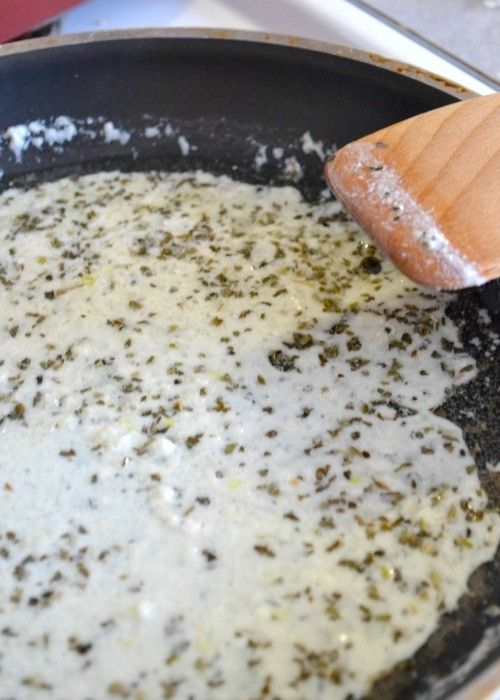This classic white pizza sauce is very simple to make with only four ingredients and a few minutes. Adapt to your favorite pizza or pasta recipe.