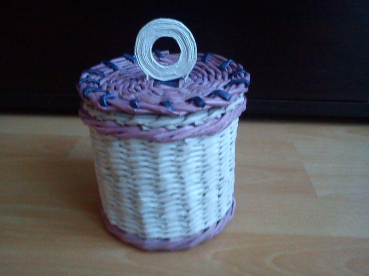 Koszyczek na drobiazgi. Więcej na http://wyczekanemarzenia.blogspot.com