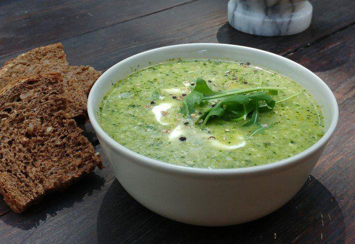 Groene komkommer gazpacho – gemaakt tijdens Yoga & Food Retreat Italië