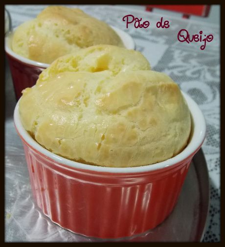 Pão de Queijo de Liquidificador  http://www.artecaseirarestaurante.com.br/blog/0-93/Aventuras+na+Cozinha+27+-+Pao+de+Queijo+de+Liquidificador