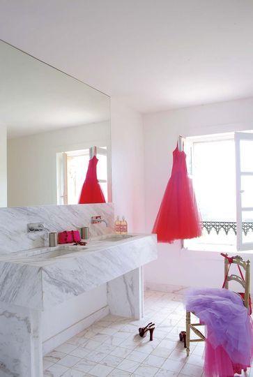 Déco salle de bain  25 idées en couleur jaune confort