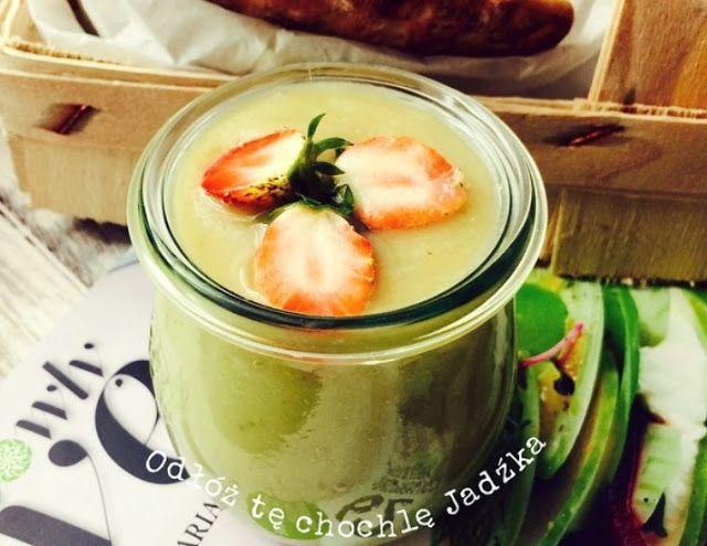 Zielone koktajle: awokado + gruszka + banan + olej kokosowy