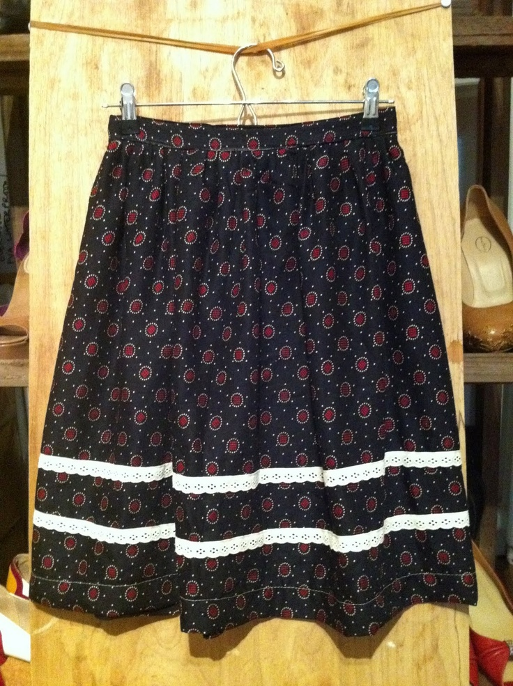 Stitch me Softly...: Super Simple Dirndl Skirt - tutorial