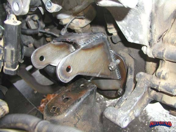 Jeep Four Cylinder Replacement Bracket 1987 96 Yj And 1997 03 Tj Jeep Cylinder Bracket